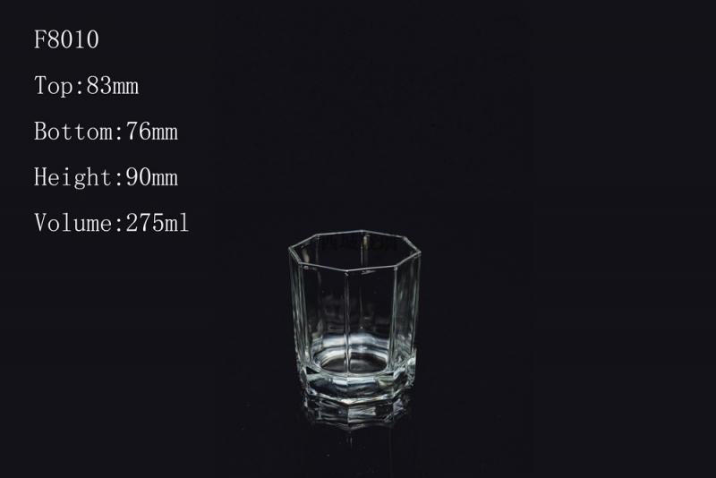 为什么敲击玻璃杯边缘会发出美妙的声音